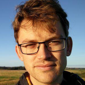 Portrait of Tom Walker