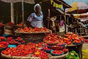 femme sur le marché